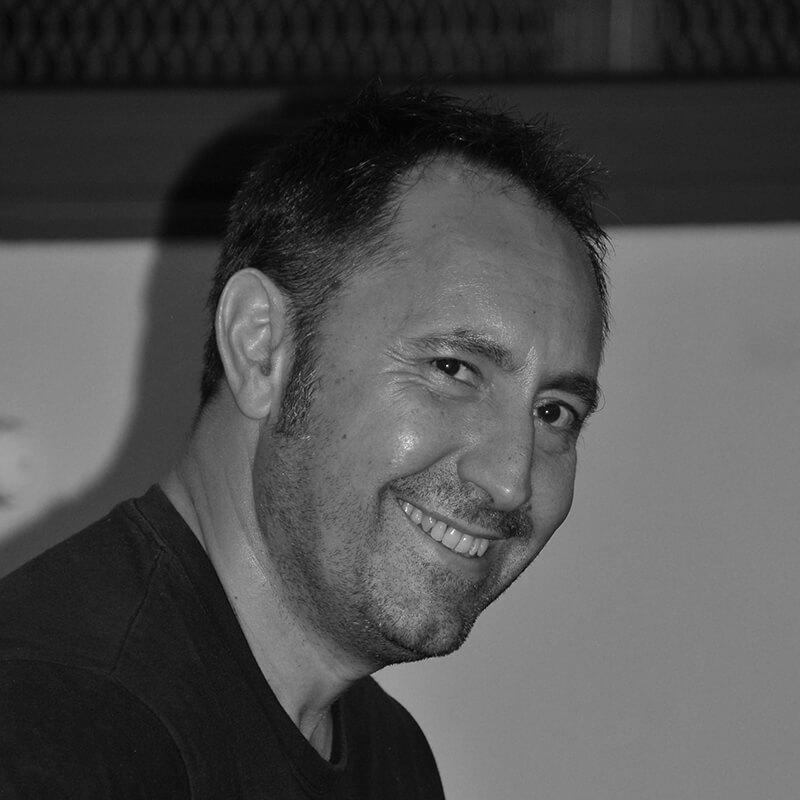 Photo de notre membre fondateur Pascal Fernandez, professeur de guitare flamenca