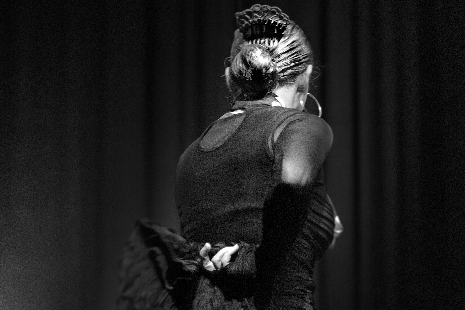 Danseuse de flamenco de dos lors d'un spectacle
