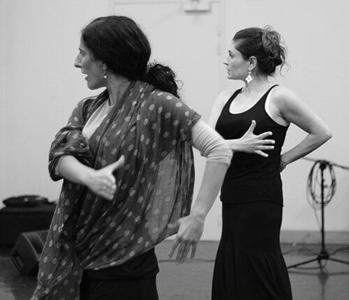 Mercedes Ruiz et une élève lors d'une master formation flamenco